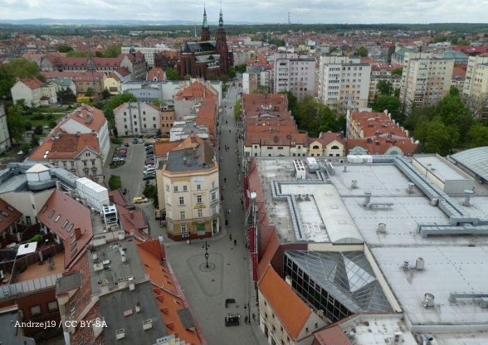 UM Legnica:  Polski futbol otwiera się na legnickim stadionie już 26 maja